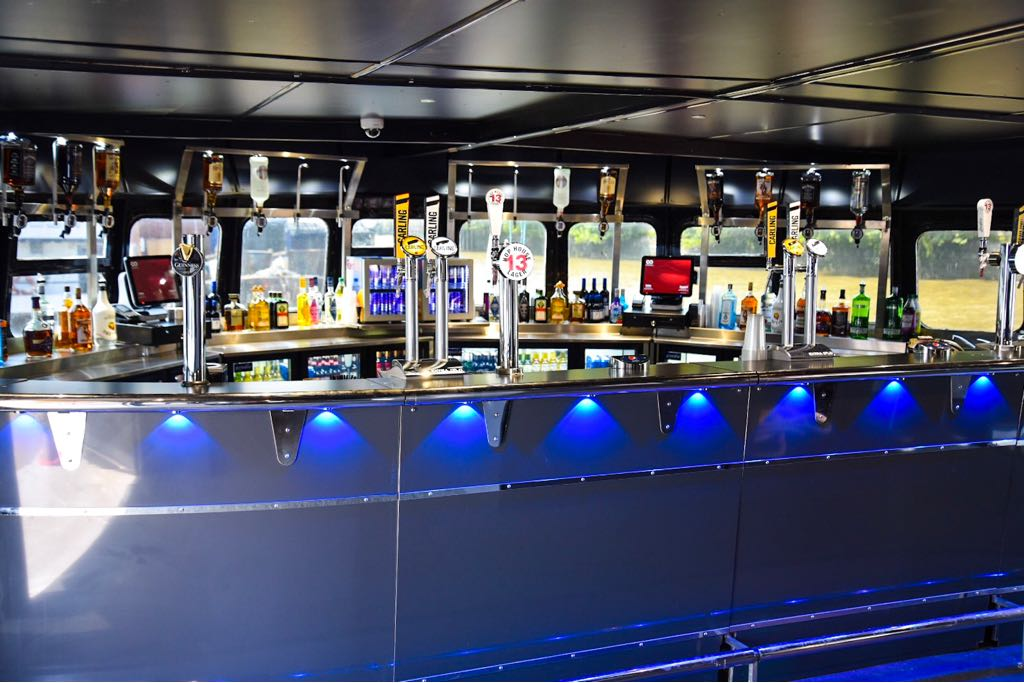 The Pearl of London Thames party boat has 3 bars