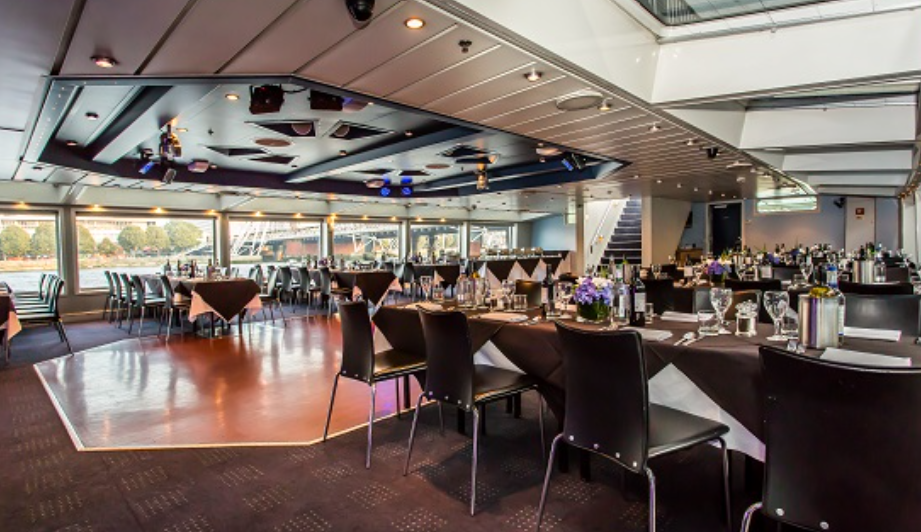 The Harmony Thames Lunch cruise offers modern and smart surrounds